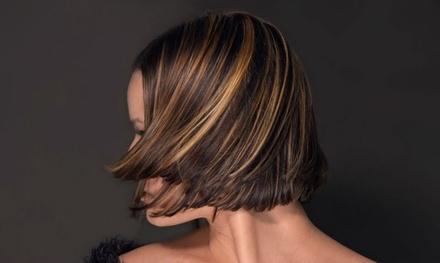 Waschen, Schneiden, Föhnen inkl. Vollfärbung oder bis zu 30 Strähnen bei Haarboutique (bis zu 66% sparen)