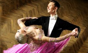 Tanzschule  Max7: Discofox-, Salsa- und Walzer- oder Brautpaar-Workshop in der Tanzschule Max7 für 28,90 € (50% sparen*)