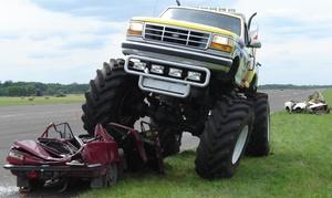 MISTRZOWIE IMPREZ: Jazda Monster Truckiem jako pasażer (79,99 zł) lub jako kierowca (od 140 zł) z firmą Mistrzowie Imprez