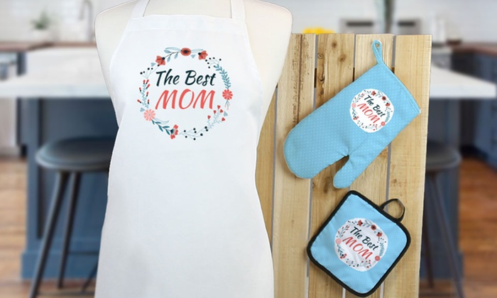 Monogram Online: Personalized Potholder, Oven Mitt, or Apron from Monogram Online (Up to 75% Off)