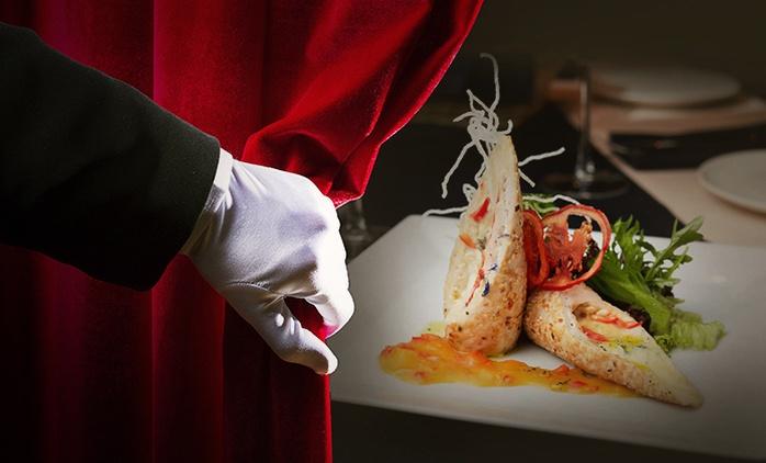 Geflügel-Menü mit 3 oder 4 Gängen im Dunkelrestaurant unsicht-Bar