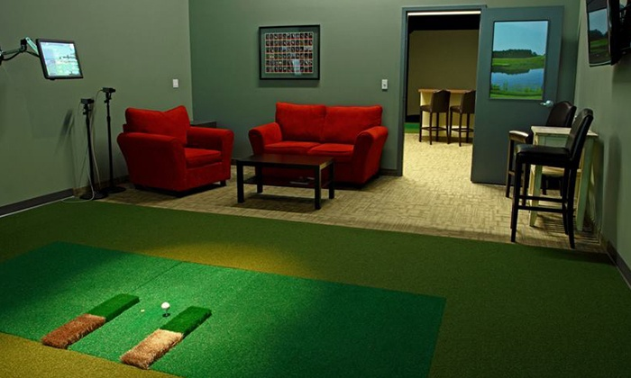 Lakeshore Links Indoor Golf - Toronto: 45-Minute Lesson, or 3 Hours of Simulator Play for Up to Four at LakeShore Links Indoor Golf (Up to 52% Off)