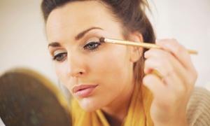 Cata Make Up: Desde $129 por clase de automaquillaje con técnica de smokey eyes para uno o dos en Cata Make Up
