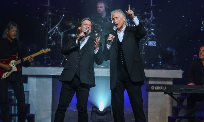 The Righteous Brothers - Harrah's Showroom at Harrah's Las Vegas: The Righteous Brothers (March 23–June 11)