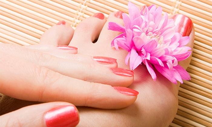 Studio 7 Salon - Gwyn Wetter at Studio 7 Salon: $20 for $40 Worth of Spa Treatments at Studio 7 Salon