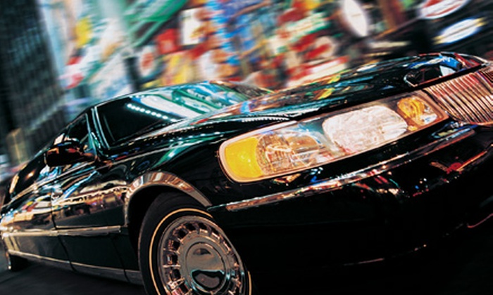Denver Lincoln Limousine - Multiple Locations: One-Way or Roundtrip Denver International Airport Town-Car Service from Denver Lincoln Limousine