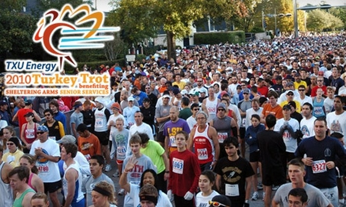 Sheltering Arms Senior Services - Great Uptown: $15 Entry to TXU Energy 2010 Turkey Trot Benefiting Sheltering Arms Senior Services ($25 Value)