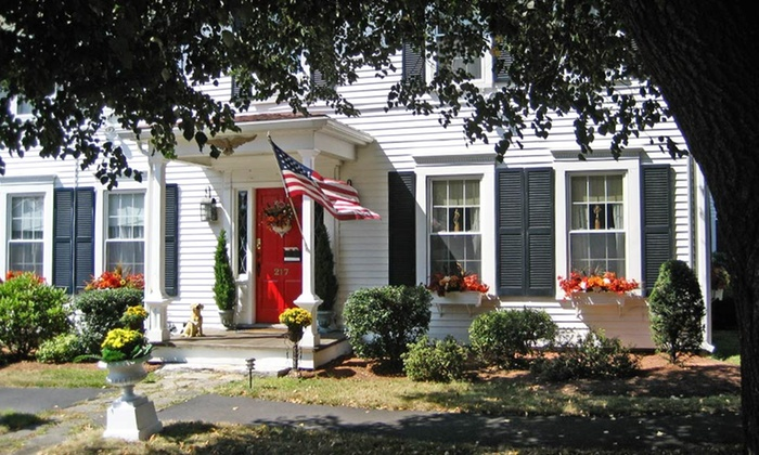 The Red Maple Inn - Spencer, MA: 2-Night Stay at The Red Maple Inn in Spencer, MA