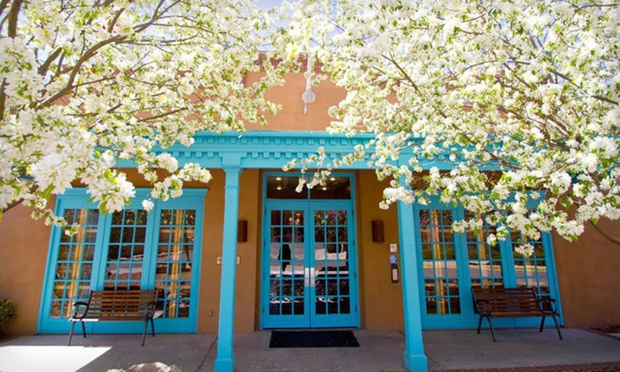 Villas de Santa Fe - Historic St. Catherine's: Two-Night Stay for Four in a One-Bedroom Suite at Villas de Santa Fe in Santa Fe, New Mexico