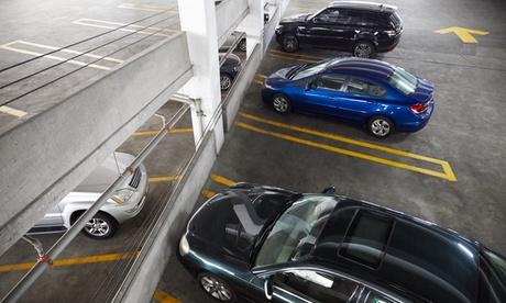 Parking en el aeropuerto Adolfo Suárez Madrid-Barajas hasta 30 días desde 29,95 € en Parking Express