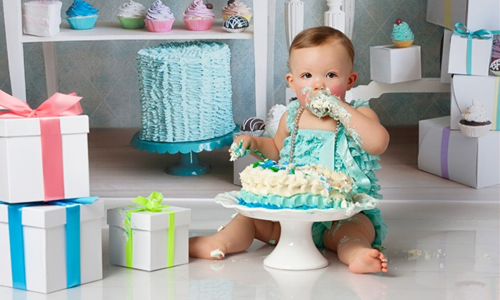 Laurel Nash Photography - Winnipeg: C$49 for a Cake-Smash Photo Shoot for a One-Year-Old Baby (C$125 Value)