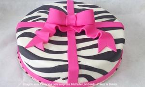 Michelle Lombardi - Cakes & Bakes: Michelle Lombardi Cakes & Bakes – Uberaba: 2, 4 ou 6 kg de bolo com pasta americana (opção com docinhos)