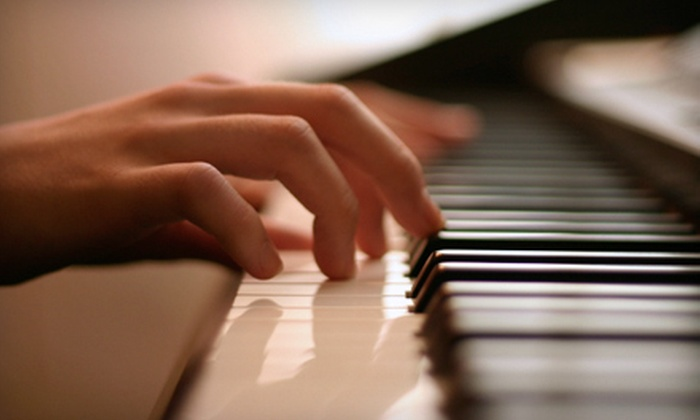Simple Gifts Studio - Cedar Rapids / Iowa City: $45 for Six Weeks of Introductory Group Piano Lessons and Materials from Simple Gifts Studio ($90 Value)