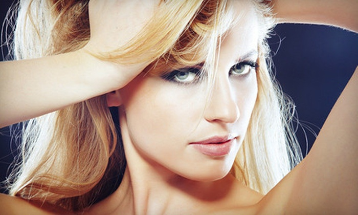Salon J-Elle - Metairie: 39 for a Women's Deluxe Haircut Package with Style and Conditioning Treatment at Salon J-Elle in Metairie ($90 Value)