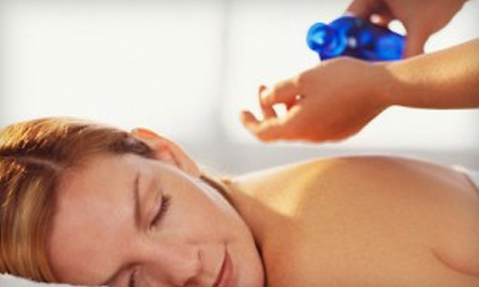 European Medical Massage & Spa - Springmont: $49 for a Hydrotherapy Bath, Massage, and a Sauna Session at European Medical Massage & Spa in West Lawn ($100 Value)