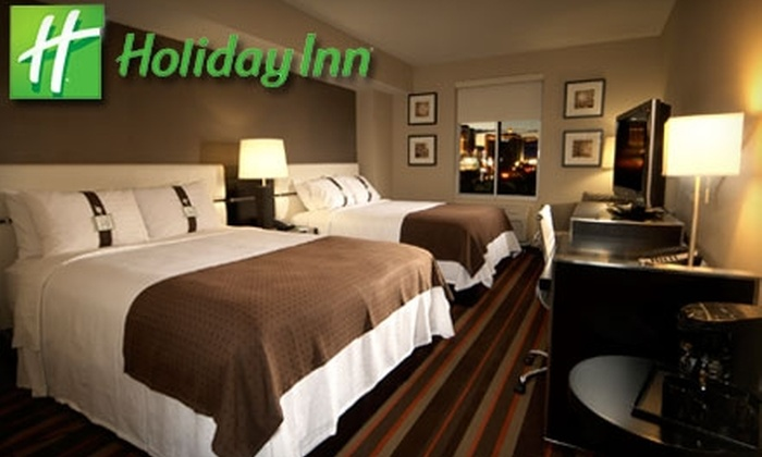 Holiday Inn - Paradise: $65 for a One-Night Stay and Breakfast for Two at Holiday Inn (Up to $199 Value)