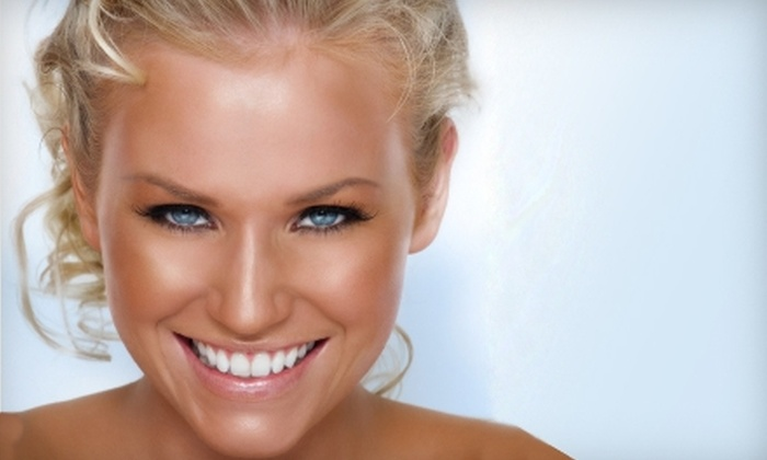 Spray Tans Done Right - Multiple Locations: $25 for One Custom Sudden Tan Spray Tan at Spray Tans Done Right in Brentwood (Up to $55 Value)