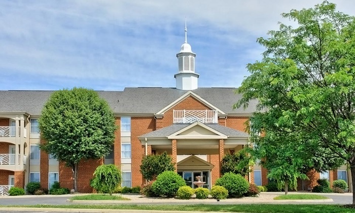 null - Charleston: Stay for Up to Four at Best Western Plus Inn at Hunt Ridge in Lexington, VA
