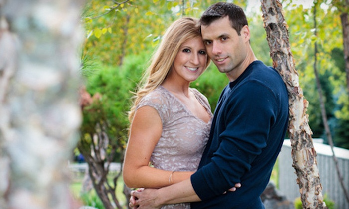 Capture A Moment Photography - Detroit: $149 for a 90-Minute Photo Shoot with $200 Worth of Prints from Capture A Moment Photography ($375 Value)