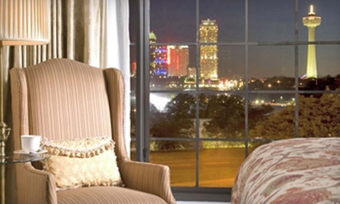 The Red Coach Inn - Niagara Falls: $89 for a Room for Two with Complimentary Breakfast at The Red Coach Inn in Niagara Falls (Up to $199 Value)