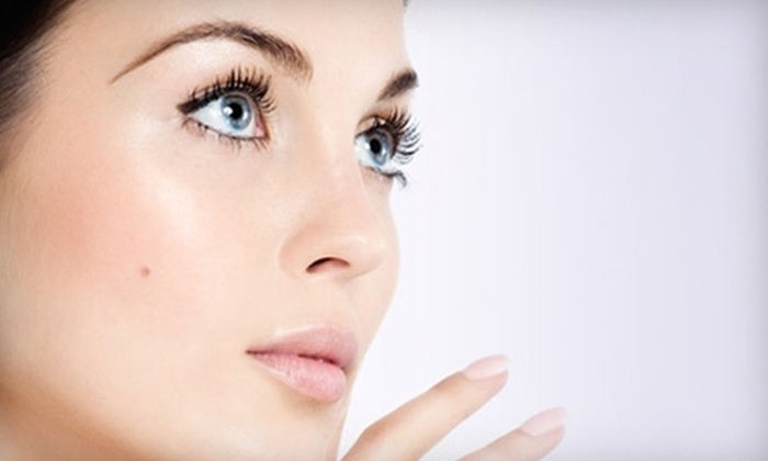 Steely Plastic Surgery - Greenway/ Upper Kirby: $65 for a Chemical Peel or Rejuvenating Facial at Steely Plastic Surgery ($125 Value)