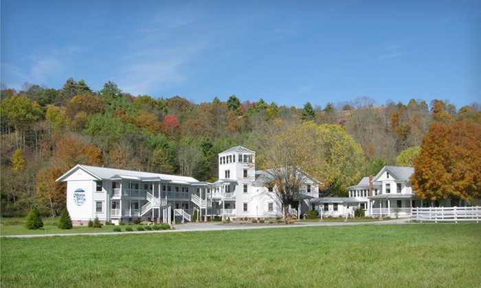 The Inn at Mountain Quest - Huntersville: Two-Night Stay for Two in a Standard Room at The Inn at Mountain Quest in Frost, West Virginia
