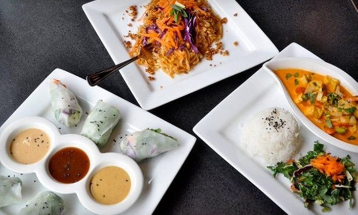 Green Papaya Organic Thai Café - Autzen: $7 for $15 Worth of Thai Cuisine at Green Papaya Organic Thai Café