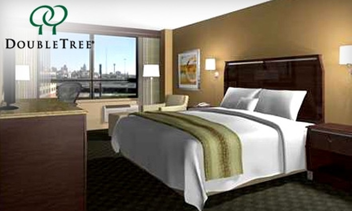 Doubletree Hotel San Antonio Downtown - Avenida Guadalupe: $99 for a One-Night Stay at Doubletree Hotel San Antonio Downtown (Up to $199 Value)
