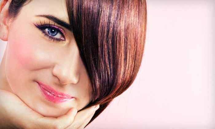 Salon Alere - Knoxville: $17 for a Women's Haircut ($35 Value) or $87 for a KeraGreen Keratin-Smoothing Treatment ($175 Value) at Salon Alere