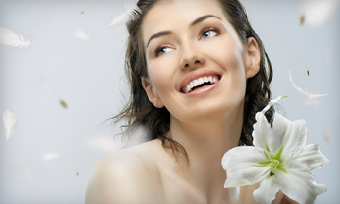Varicosis, Cosmetic and Laser Center - Hoover: 5 or 10 GentleWave LED Facial Treatments at Varicosis, Cosmetic and Laser Center in Hoover (87% Off)