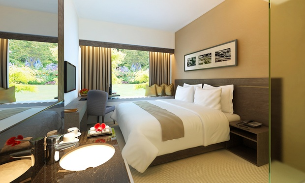 Singapore: 4* Bay Hotel Stay 1