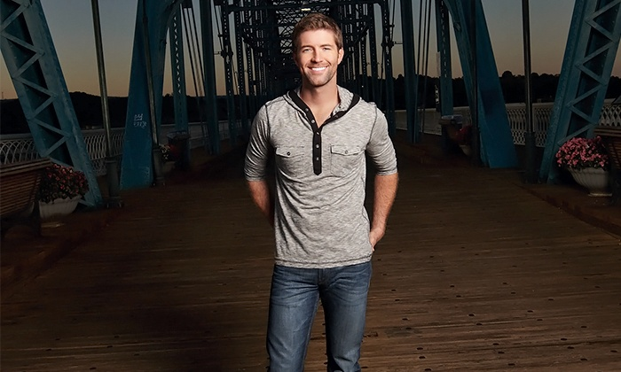 Josh Turner - NYCB Theatre at Westbury: Josh Turner at NYCB Theatre at Westbury on Friday, July 24, at 8 p.m. (Up to 40% Off)
