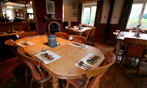 The White Horse Inn: Main Course For Two (£14.95) or Four (£27.95) at The White Horse Inn
