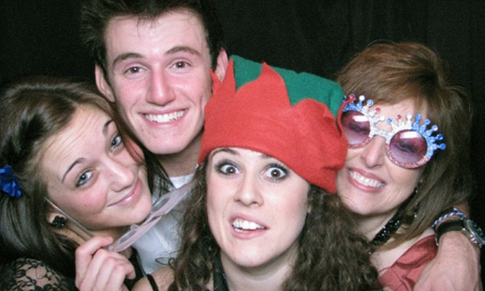 Pix Photo Booth - Detroit: $240 for a Two-Hour Photo-Booth Rental from Pix Photo Booth ($495 Value)