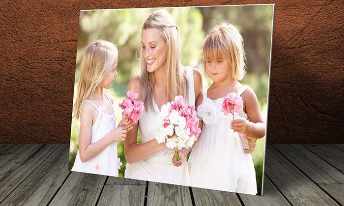 digitizeyourworld.ca: Standard or High-Res Photo Scanning with Two DVDs of Up to 600 Photos from digitizeyourworld.ca (Up to 73% Off)
