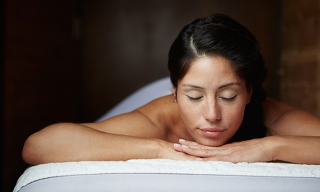 1 o 3 sesiones de masaje relajante corporal y craneal más presoterapia desde 16,95 € en Fisioasistencia Benidorm