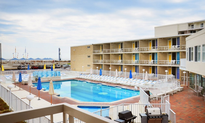 Jolly Roger Motel - Wildwood Crest, NJ: Stay for Four at Jolly Roger Motel in Wildwood Crest, NJ. Dates Available into October.