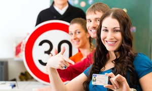 Autoscuola Ivan: Corso per il conseguimento di patente di guida A o B da Autoscuola Ivan (sconto fino a 75%)