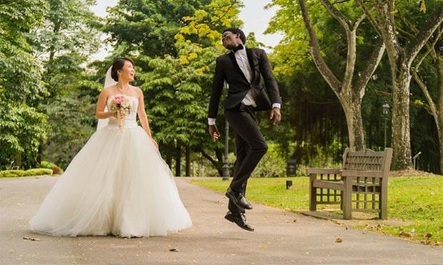 Hort park pre wedding shoot dresses