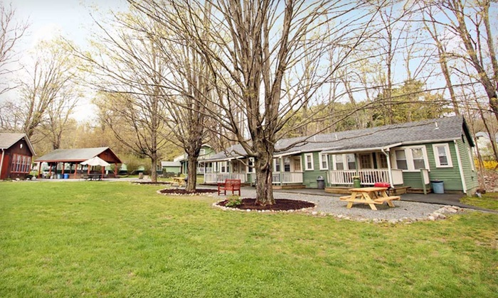 null - Albany / Capital Region: Stay at Valley Brook Inn & Cottages in Wurtsboro, NY; Dates Through October 15 Available