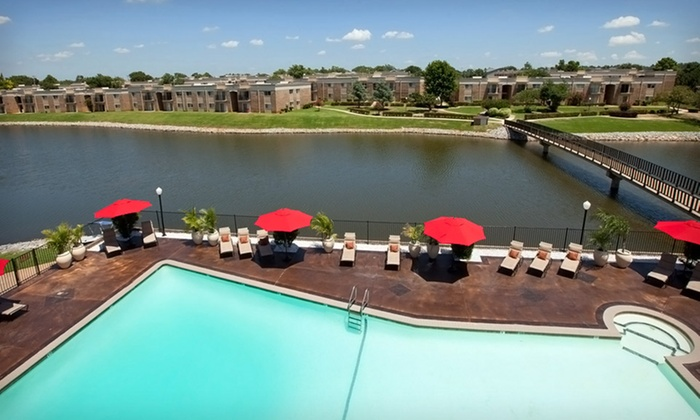 Isola Bella - Oklahoma City: 1-Night Stay in a Premium Condo at Isola Bella in Oklahoma City, OK