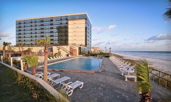 Oceanside Inn Daytona Beach - Daytona Beach, FL: $74 for a Two-Night Stay at Oceanside Inn Daytona Beach in Daytona Beach Shores (Up to $158 Value)