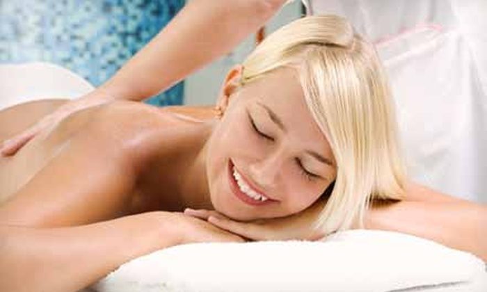 LifeHealthMassage Therapeutic Clinic - L'Amoreaux: Customized Therapeutic Massage at LifeHealthMassage Therapeutic Clinic (Up to 62% Off). Three Options Available.
