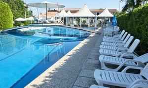 Villa Isabela - Piscine Desman: Ingresso con lettino e aperitivo per 2 o 4 persone presso Villa Isabela - Piscine Desman (sconto fino a 61%)