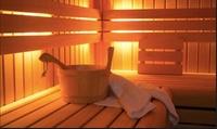 1x oder 2x Tageskarte, optional mit 40 Min. Massage nach Wahl, für die  Brunnen Sauna (bis zu 50% sparen*)