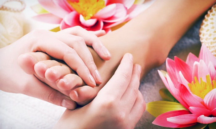 Comfy Feet Spa - Washington: 50-Minute Foot Reflexology Treatment with Optional 60-Minute Acupressure Session at Comfy Feet Spa (Up to 55% Off)