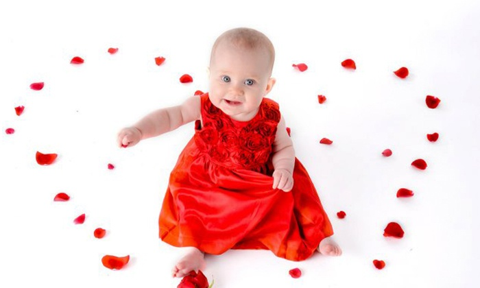 McKenney Photography - Biddeford: $49 for aPhoto Shoot with Prints and an Image CD from McKenney Photography ($261 Value)
