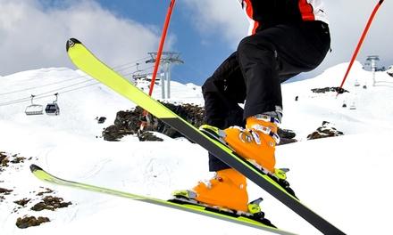 Alquiler de equipo de esquí o snowboard durante 1, 2, 3 o 4 días en ESCUELA SKI 3 (hasta 56% de descuento)