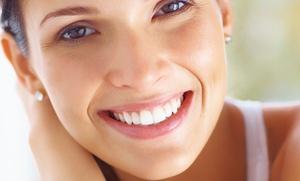 Limpieza bucal con ultrasonidos, fluorización y diagnóstico por 12,90 €