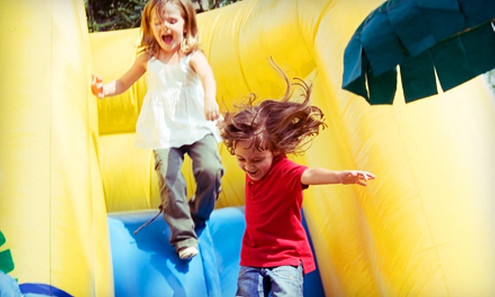 Bounceeez - Virginia Beach: $14 for Four Bounce Admission Passes with Juice and Chips at Bounceeez in Virginia Beach ($43.88 Value)